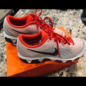 Nike Shoes - Nike NEW size 10 women's
